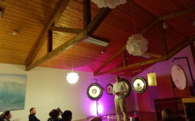 Bericht Neumond Gong Meditation in der Landauer Zeitung