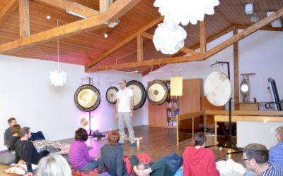 Bericht Neujahrs Gong Meditation in der Landauer Zeitung